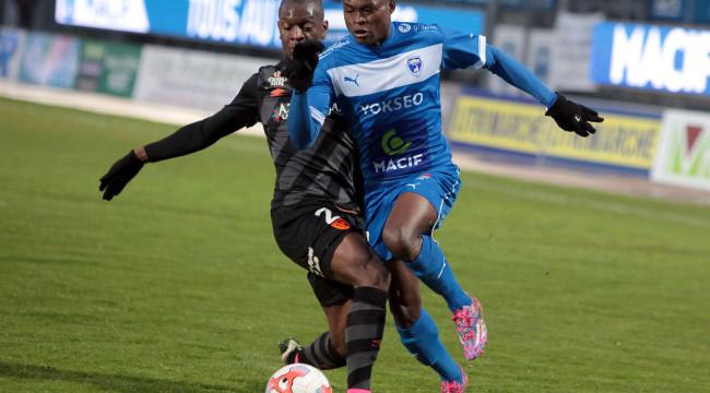 FOOTBALL LIGUE 2 / CHAMOIS NIORTAIS FC / RC LENS