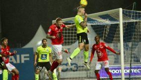 Thibaut Vion vs Brest